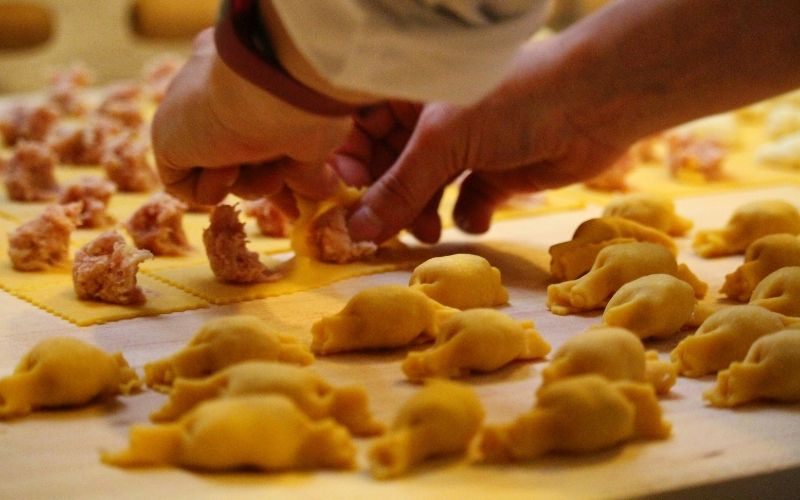 how to make tortelloni