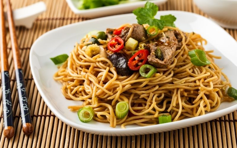 is chow mein or lo mein healthier