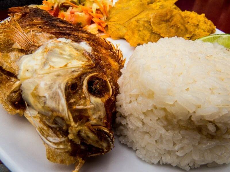 mojarra-frita-salvadorena